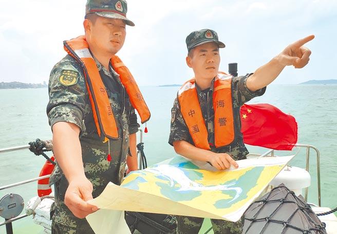 中國外長王毅指出,大陸的海警法只是執法所需,外界勿誇大炒作。圖為大陸海警執法中。(新華社)
