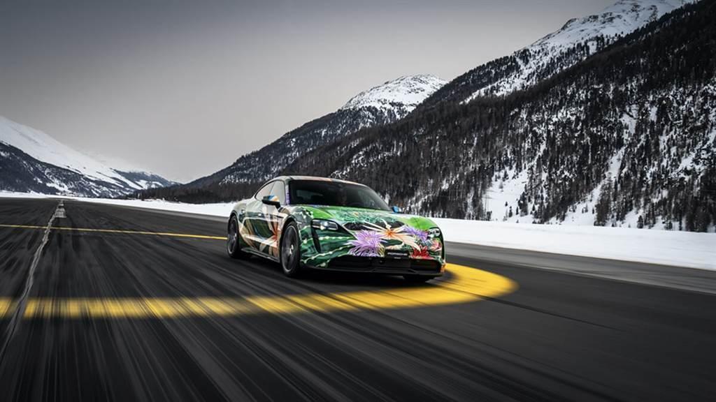 Porsche首款純電跑車藝術創作:Taycan Artcar 將作為COVID-19慈善公益進行拍賣