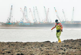 環保署前副署長邱文彥嚴批 台灣海岸海洋 像無政府狀態