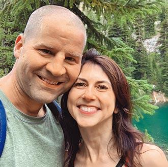 慈善網站揭露 貝佐斯前妻再婚