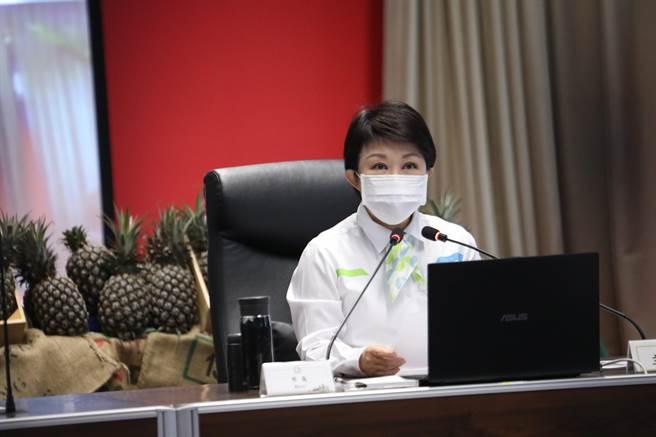 台中市長盧秀燕說,幫助農民,不分縣市,農產品議題大家一起關心。(盧金足攝)