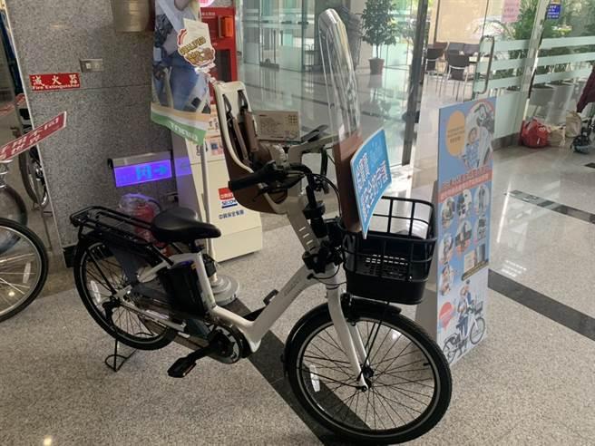 檢驗合格的載童自行車。(潘千詩攝)