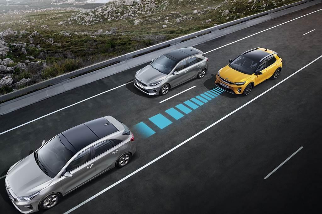 搭載全速域SCC智慧巡航系統,搭配升級型LFA進階車道維持系統,具備Level 2半自動輔助駕駛能力。