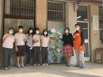 自己粉刷校園 台南社大與企業攜手辦塗刷共學營