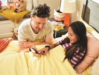 Fitbit Ace 3兒童智慧手環動畫錶面升級 加碼推小小兵聯名錶帶