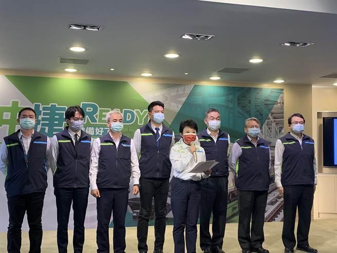 台中市長盧秀燕上午宣布,台中捷運綠線將於3月25日展開為期30天的試營運。(林欣儀攝)