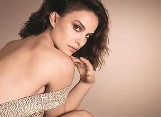 女神娜塔莉波曼絕美妝感 展現不沾口罩夾心上妝術