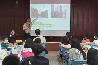 與大內國小學弟妹有約 新生代作家楊富閔為母校開講