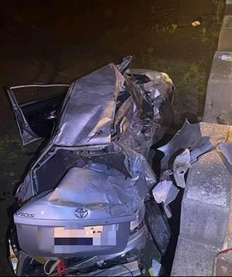 台中清水2車相撞衝落田裡 轎車駕駛命危