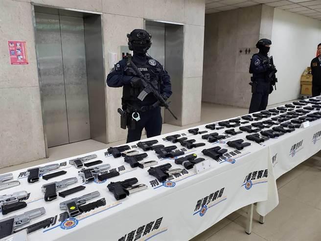 警政署表示將貫徹「槍械零容忍」立場與決心,持續掃蕩黑槍。(林郁平攝)