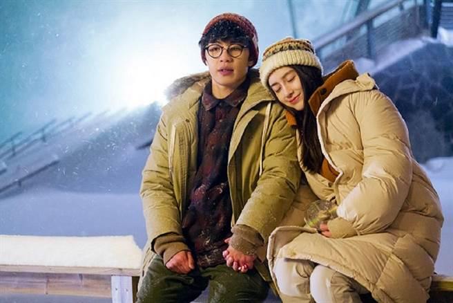 Angelababy和李鴻其在片中浪漫談情說愛。(車庫娛樂提供)