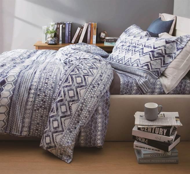 圖四:HOLA精選花色寢具系列單件特價399元起。(HOLA提供)