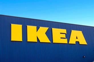 高中情侶躺IKEA床探險 只露4隻腳!目擊民眾:太猴急