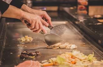 吃鐵板燒「自備鍋裝湯」 老闆一句話擊退貪小便宜奧客