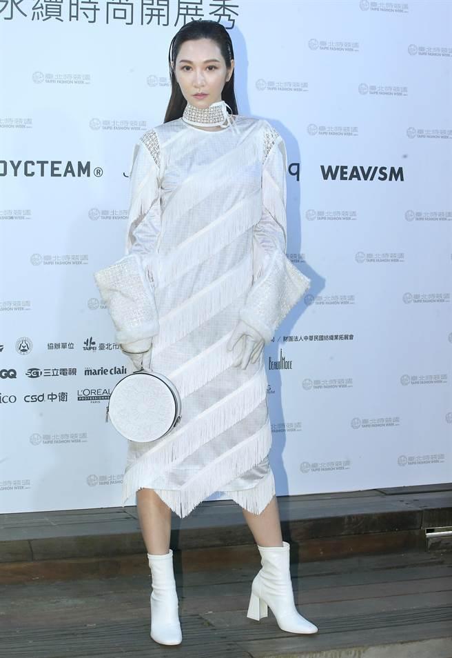 圖一:曾菀婷身穿JUST IN XX服飾登上伸展台。(粘耿豪攝)