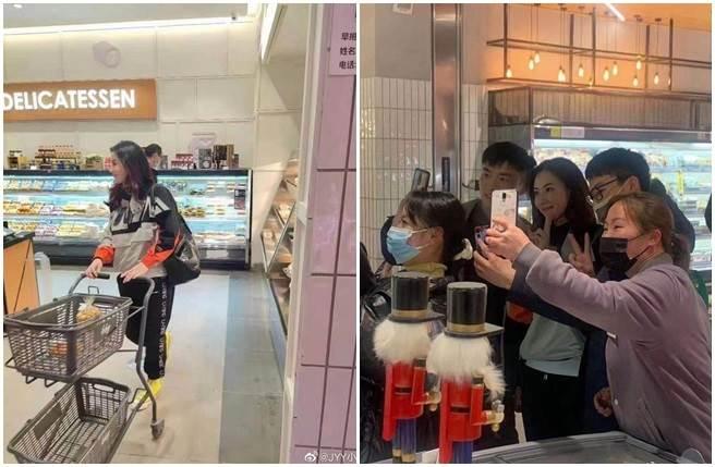張柏芝爆出懷孕傳聞後,又被網友捕捉到她素顏現身超市的身影,吸引路人瘋狂搶合照。(取自微博)