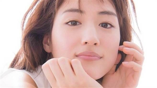 日本高人氣女星綾瀨遙。(圖/ 摘自推特)