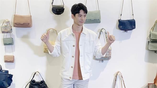 法國設計師品牌Jerome Dreyfuss於新光三越南西店BAGSTAgE專櫃,邀請到影視國民男神林柏宏擔任白色情人節一日店長。(邱映慈攝)
