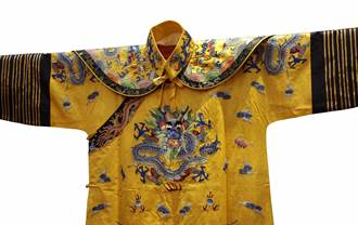 古代皇帝的龍袍怎麼洗?真相令人無法想像