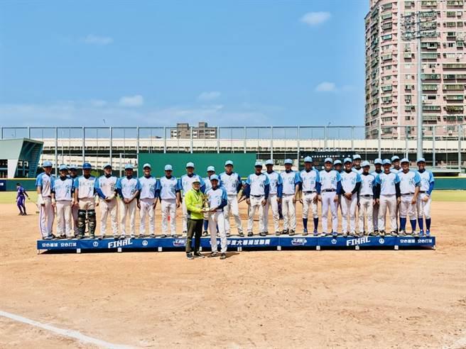 台東大學棒球隊8局下滿貫砲逆轉,奪下大專棒聯季軍。(台東大學提供)