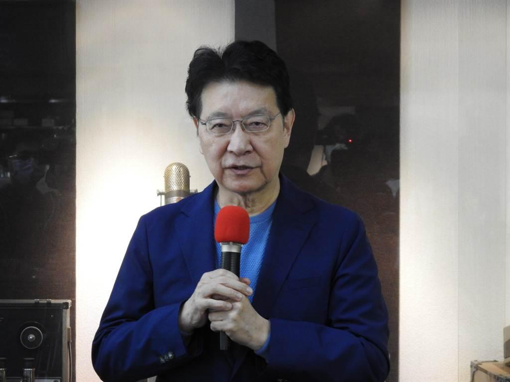 中廣董事長趙少康上午接受媒體採訪。(趙婉淳攝)
