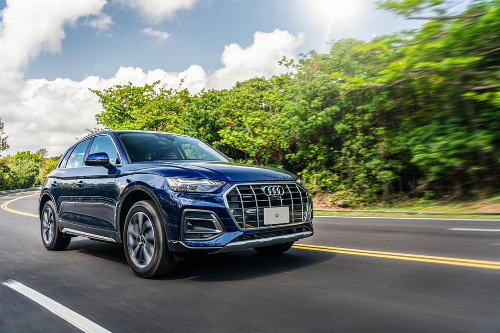 動力搭載最新2.0升汽油渦輪增壓引擎,並配置最新12V輕型複合動力系統。