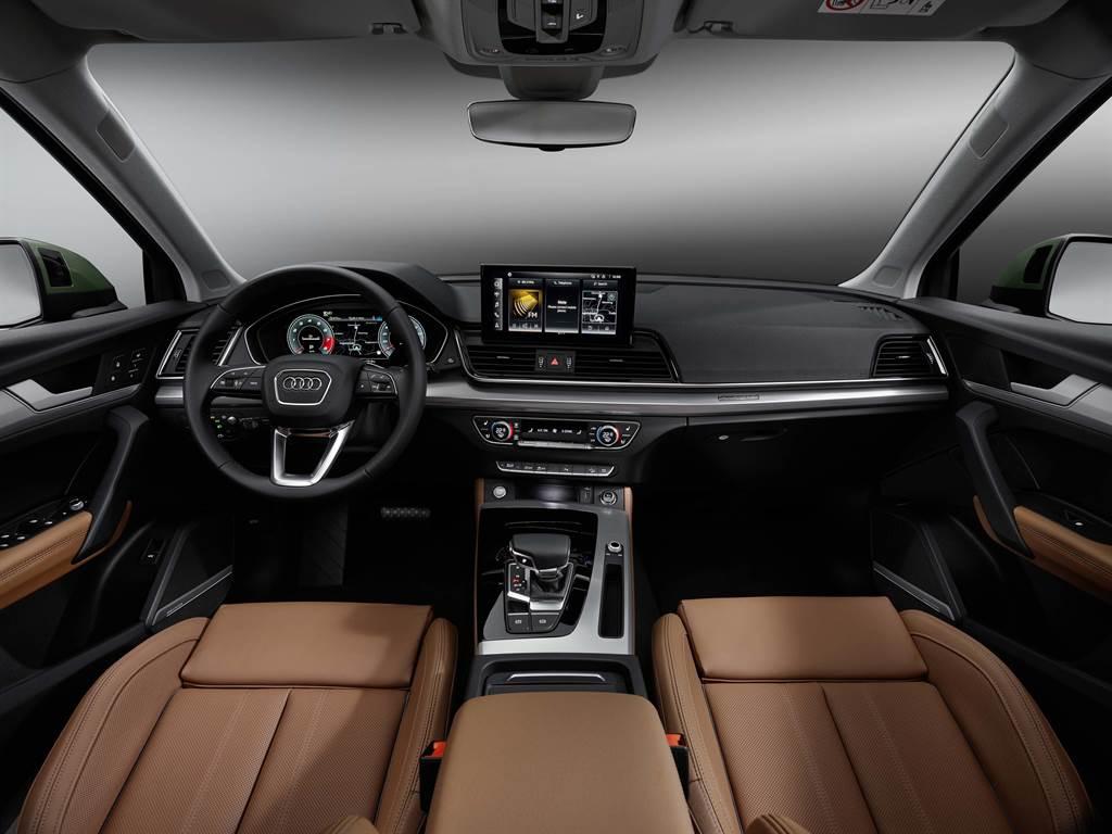 新設計的數位化駕駛艙是全新Audi Q5車內最大亮點。