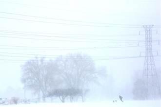 美西暴風雪侵襲 丹佛機場關閉多條公路封閉