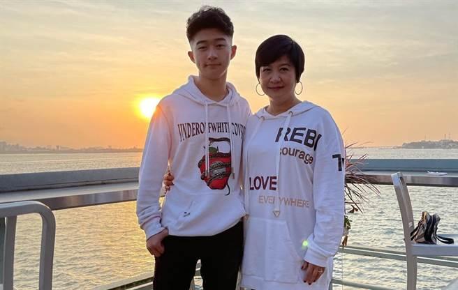 莊凌芸生前與崔佩儀兒子貝克宇交情不錯。(圖/FB@崔佩儀)