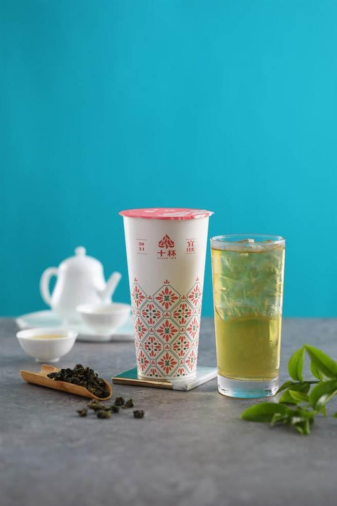 台灣農林與十杯跨界聯名。(台灣農林提供)