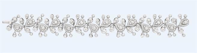麗晶獨家CHAUMET Josephine Aigrette Impériale 18K白金手鍊,價格店洽。(麗晶精品提供)