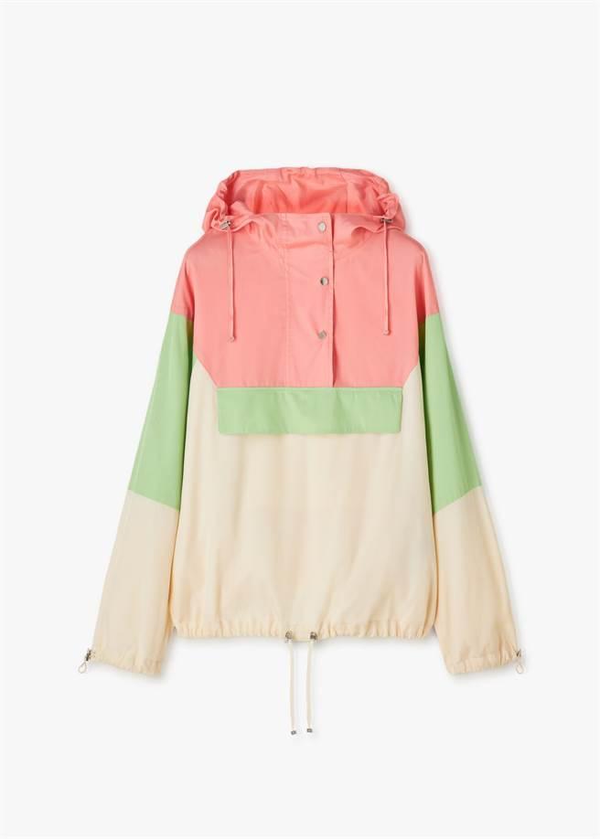 麗晶獨家LORO PIANA TEO絲質外套,價格店洽。(麗晶精品提供)