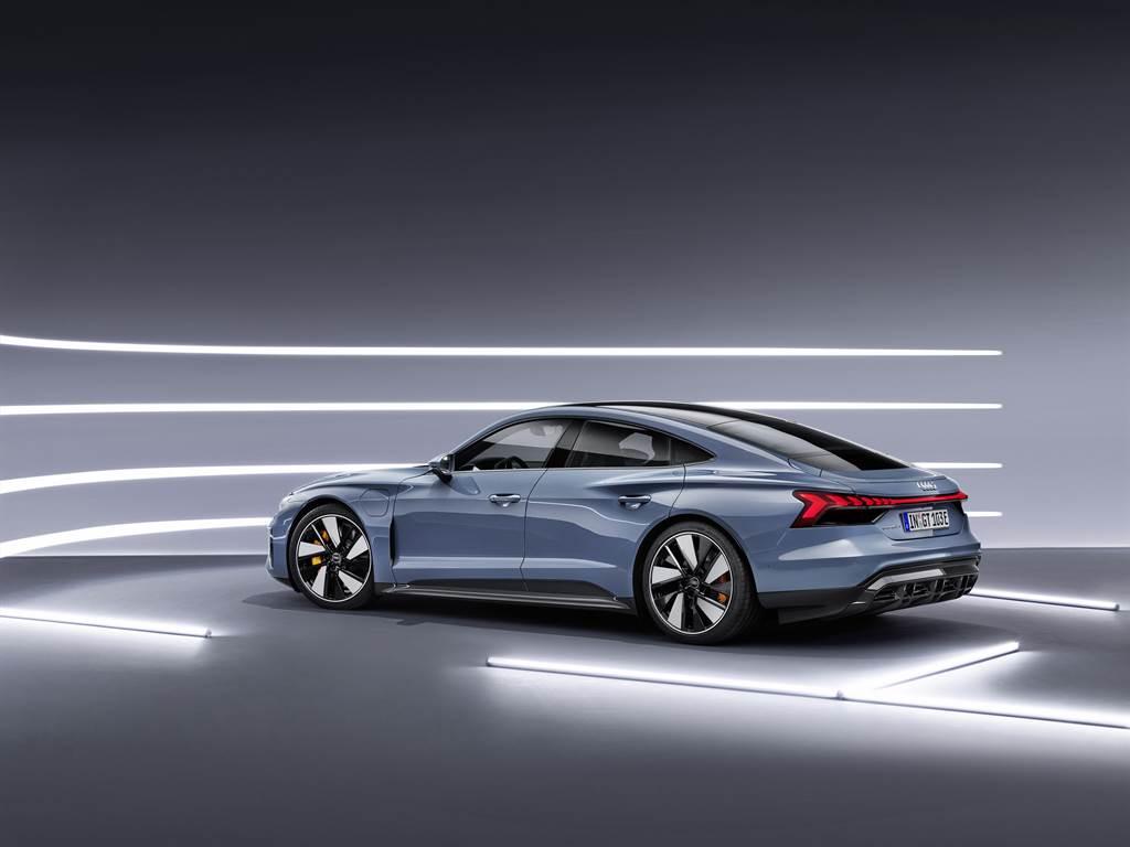 今年二月於海外發表的純電轎跑e-tron GT,也在台灣奧迪今年計畫導入的車款名單之中。