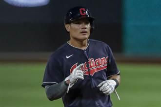 MLB》張育成替補上場被三振 守備首次失誤