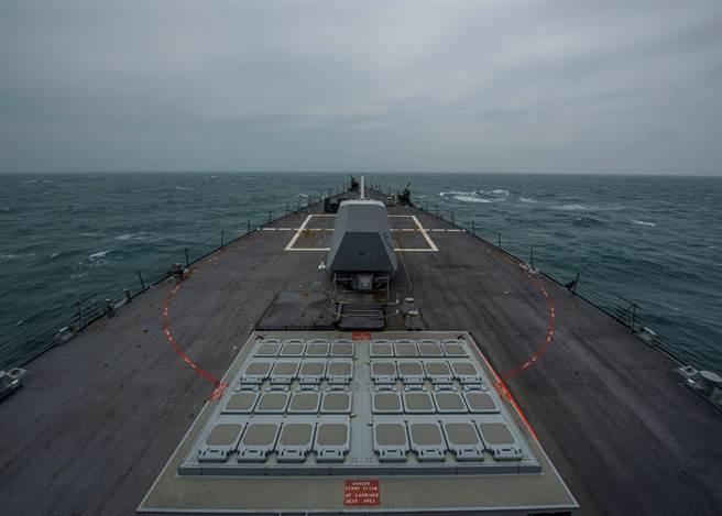 美艦進台海南海近兩年大增 拜登會否延續受關注。(圖/路透)