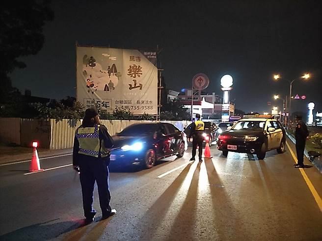 男子酒駕上路遭攔檢,脫口一句髒話要多判1個月。圖與新聞事件無關。(本報資料照片)