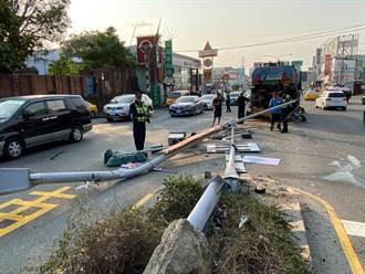 台南永康區1動力機械車 疑剎車故障自撞號誌桿