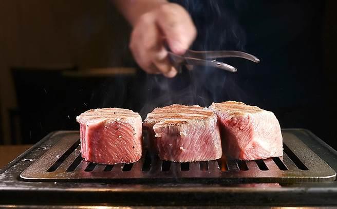 獨〉燒肉達人當如是 台中俺達的肉屋主廚「塊燒」炫技 - 生活