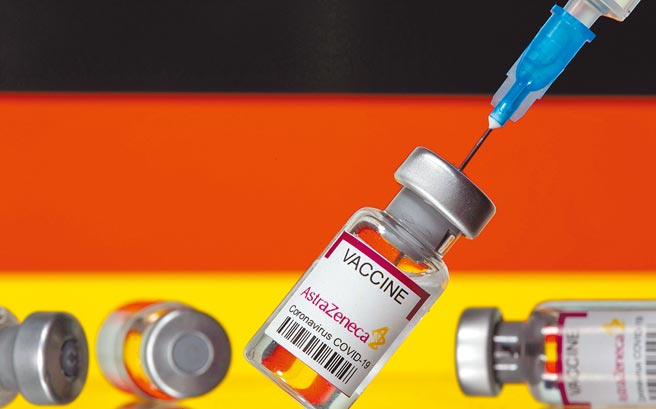 因为担心出现血栓等副作用,欧陆多国宣布暂停施打AZ疫苗。(路透)