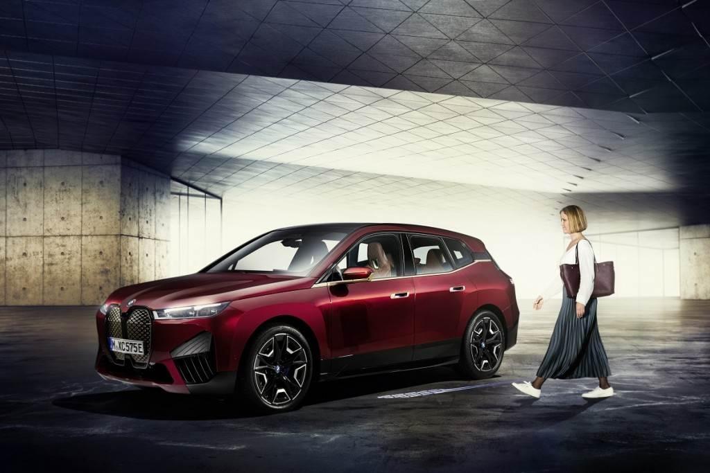 BMW大舉採用工業級UWB超寬帶通訊技術的原因