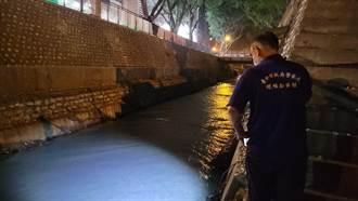 台中男遭斷掌 員警夜色中打燈巡邏排水溝「找手」
