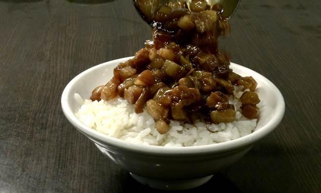 【玩FUN飯】25元阿公甜滷肉飯 台南味收服北部饕客胃 - 生活