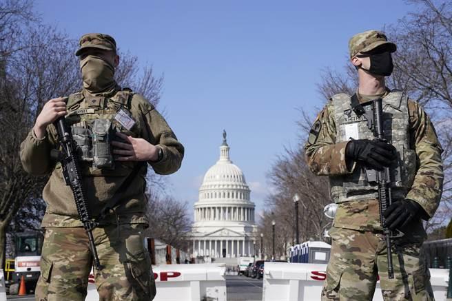 3月以來美情報部門傳出國會可能受到暴力威脅,美軍為此加強對國會安全部署。(圖/美聯社)