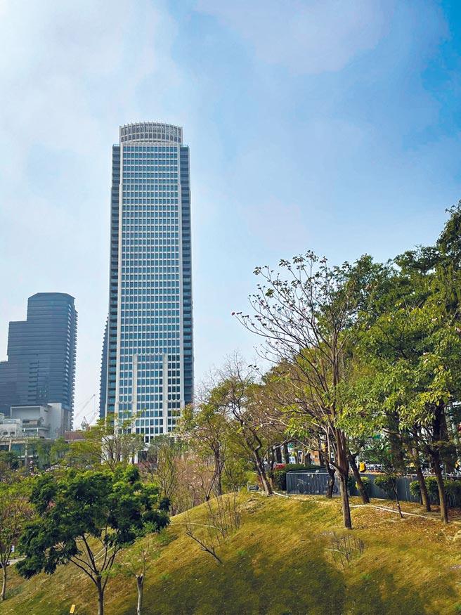 「聯聚瑞和大廈」位於七期秋紅谷生態公園第一排,是新北以南、高雄以北最高的豪宅,被視為市場指標。圖/曾麗芳