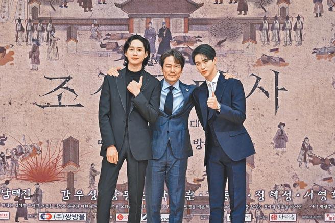朴成勳(左起)、甘宇成、張東潤出席新戲記者會。(friDay影音提供)