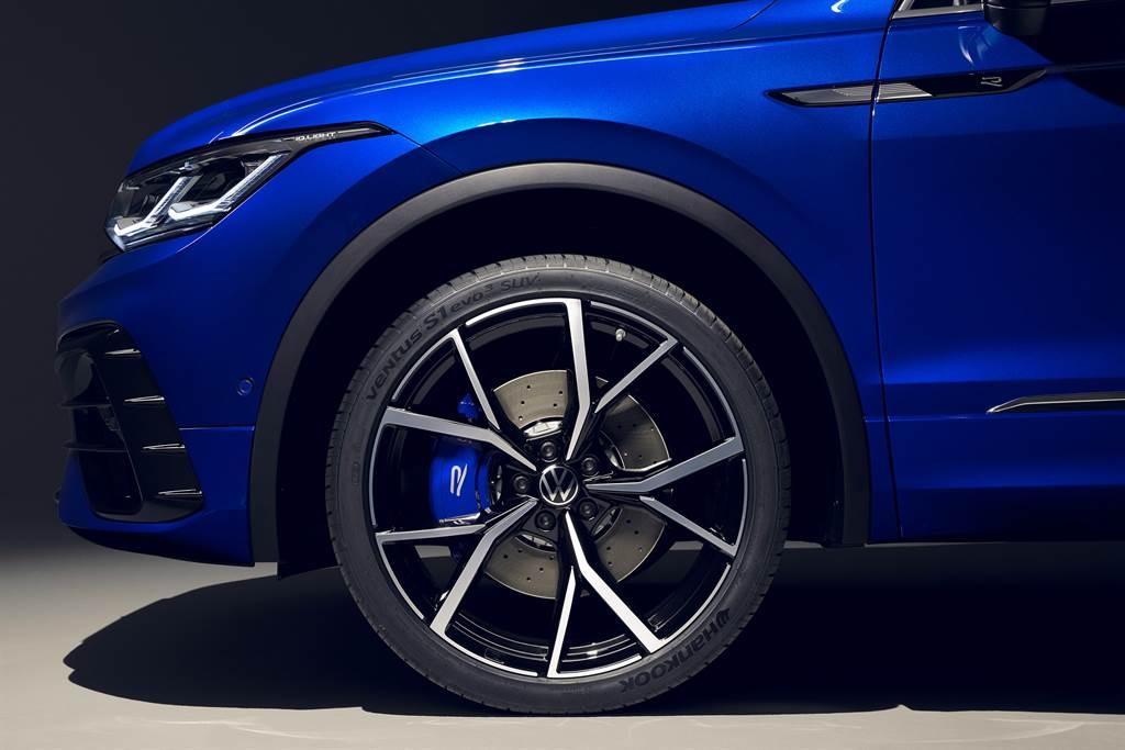 台灣福斯汽車針對The new Tiguan導入280 TSI、330 TSI、380 TSI以及最大馬力320ps的強悍性能休旅The Tiguan R。