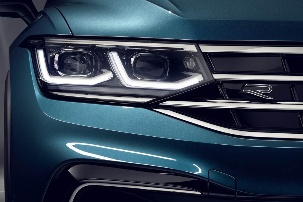 280 TSI Elegance以上車型也將首度搭載IQ.LIGHT智慧燈組: LED Matrix 矩陣式頭燈。