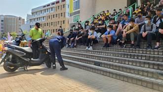強化安全駕駛 中市交警親上陣教大學生騎機車