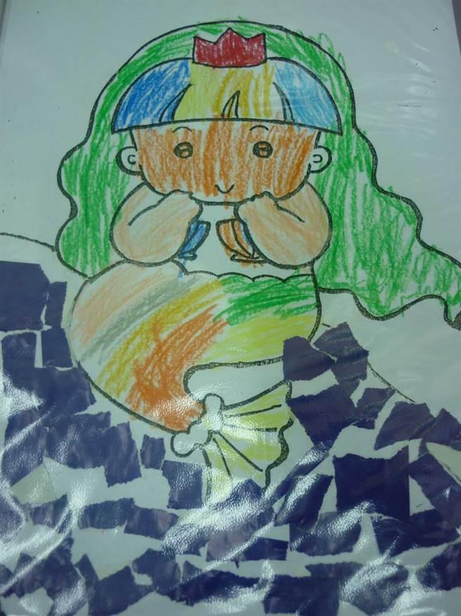大女兒在學校畫出媽媽的模樣,不料母女倆竟慘死刀下。