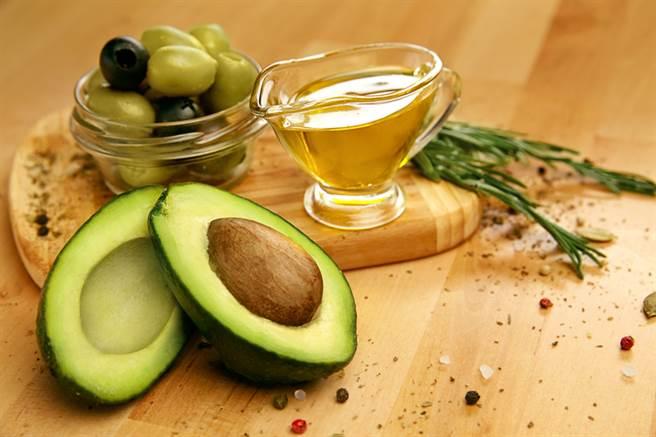 營養學雜誌》每天至少一餐吃到酪梨 改善腸道養好菌 - 健康
